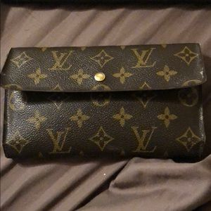 LV wallet with Date code